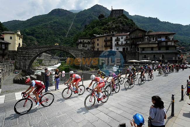 The large breakaway group in action during Stage 20 of the 2018 Giro d'Italia, running 214km from Susa to Cervinia is the final mountain stage, with the last three climbs of Giro 101 deciding the GC of the Corsa Rosa, Italy. 26th May 2018.<br /> Picture: LaPresse/Fabio Ferrari | Cyclefile<br /> <br /> <br /> All photos usage must carry mandatory copyright credit (© Cyclefile | LaPresse/Fabio Ferrari)