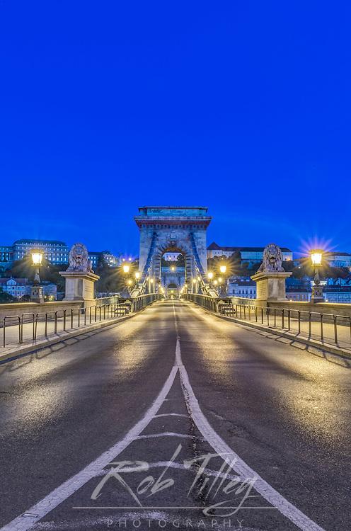 Europe, Hungary, Budapest, Chain Bridge at Dawn