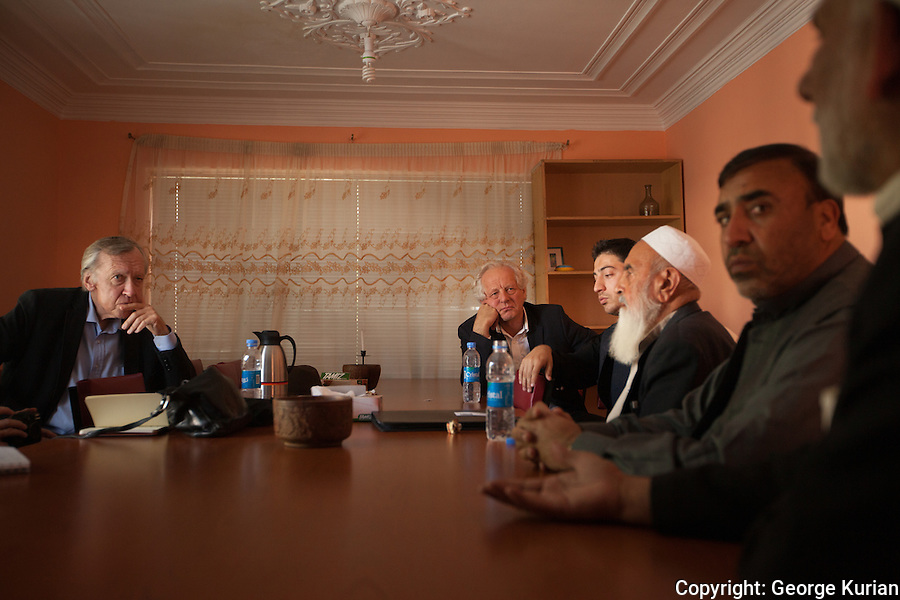 William Nygaard and Eugene Schoulgin interacts with Afghan writers and poets at the Afghan PEN office