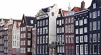 Nederland - Amsterdam -  2020.  Grachtenpanden in het centrum.   Foto Berlinda van Dam / Hollandse Hoogte