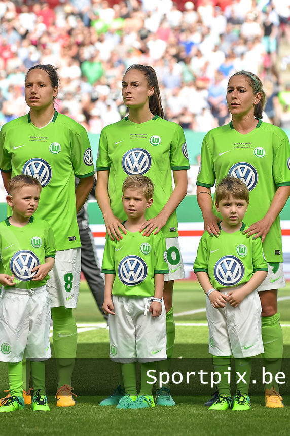 20170527 - KOELN , GERMANY : Wolfsburg's Tessa Wullaert (M) pictured during the final of German Women's Cup 2017 - Pokal Final Frauen , a soccer women game between SC Sand and holders VfL Wolfsburg  , at the Rhein Energie Stadion , saturday 27 th Mayl 2017 . PHOTO SPORTPIX.BE | DIRK VUYLSTEKE