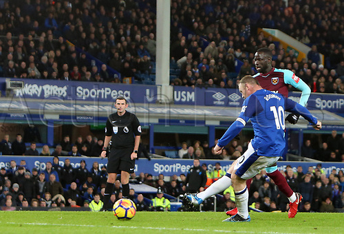29th November 2017, Goodison Park, Liverpool, England; EPL Premier League Football, Everton versus West Ham United; Wayne Rooney of Everton scores his second goal from close range giving Everton a 2-0 lead after 28 minutes