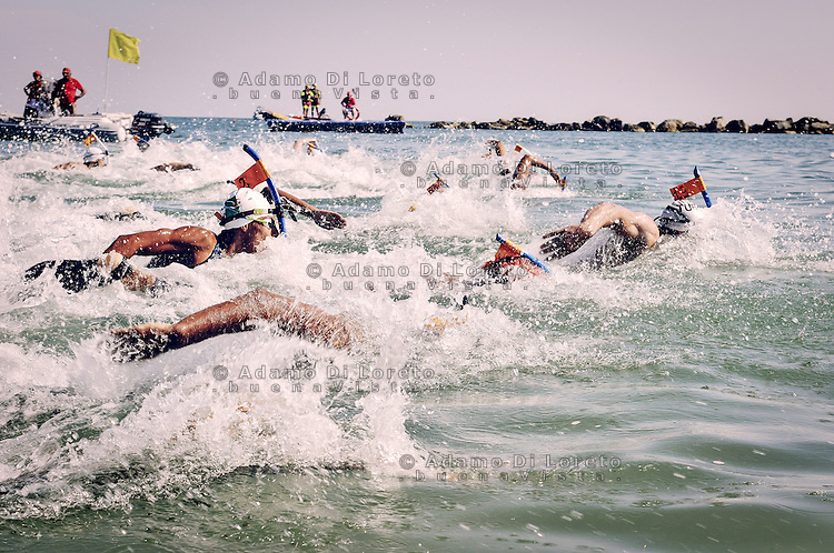 Open Water Swimming race man, in the Adriatic Sea Pescara Agosto 31, 2015. Photo: Gianluca Fortunato/omada.it