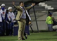 TUNJA -COLOMBIA, 06-03-2016. Harold Rivera técnico de Patriotas FC gesticula durante partido contra Independiente Medellín por la fecha 8 de la Liga Águila I 2016 realizado en el estadio La Independencia de Tunja./ Harold Rivera coach of Patriotas FC gestures during match against Independiente Medellin for the date 8 of Aguila League I 2016 played at La Independencia stadium in Tunja. Photo: VizzorImage/César Melgarejo/ Cont