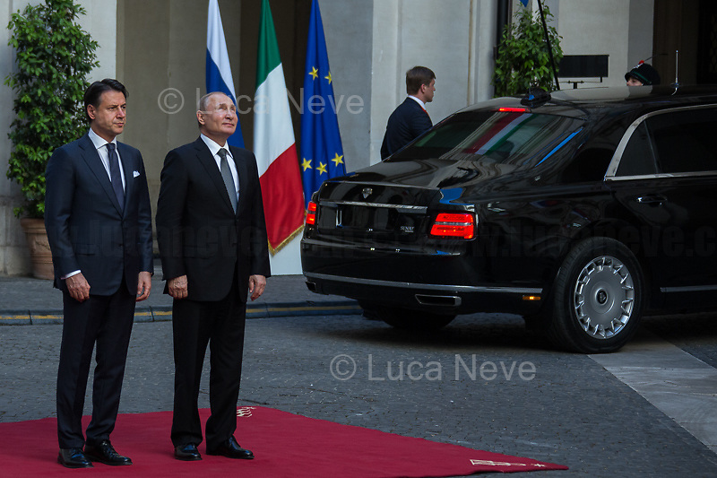 (From R to L) Vladimir Putin and Giuseppe Conte.<br />