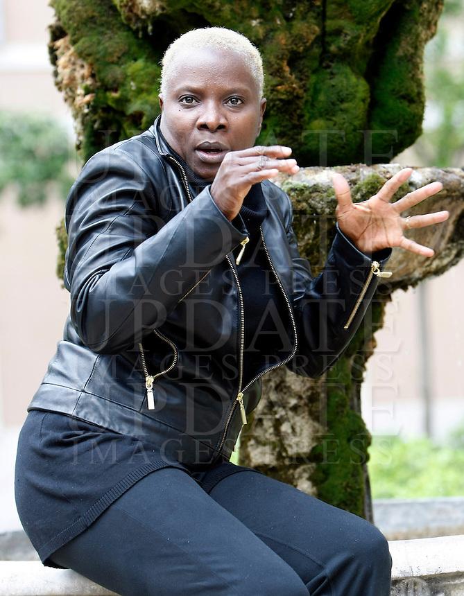 La cantante Angelique Kidjo, del Benin, ritratta a Roma, 20 aprile 2009..Singer Angelique Kidjo, of Benin, portrayed in Rome, 20 april 2009..UPDATE IMAGES PRESS/Riccardo De Luca
