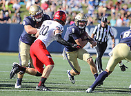 Annapolis, MD - September 23, 2017: Navy Midshipmen quarterback Zach Abey (9) runs the ball during the game between Cincinnati and Navy at  Navy-Marine Corps Memorial Stadium in Annapolis, MD.   (Photo by Elliott Brown/Media Images International)