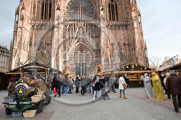 STRASBOURG - FRANCE - 17 DECEMBER 2009 -- Strasbourg Christmas market and city photos. -- PHOTO: Juha ROININEN / EUP-IMAGES
