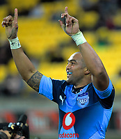 Bulls Cornal Hendricks celebrates his second try during the Super Rugby quarterfinal between the Hurricanes and Bulls at Westpac Stadium in Wellington, New Zealand on Saturday, 22 June 2019. Photo: Dave Lintott / lintottphoto.co.nz