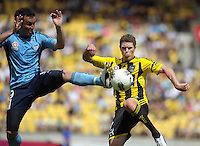 120104 A-League Football - Wellington Phoenix v Sydney FC