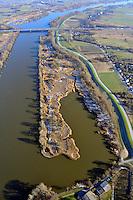 Schweenssand : EUROPA, DEUTSCHLAND, HAMBURG, (EUROPE, GERMANY), 28.01.2011:Der  Schweenssand sind einer der 31 Hamburger Naturschutzgebiete.  Der Schweenssand wurde am 31.8.1993 unter Schutz gestellt. Seit 1998 ist der Schweenssand Schutzgebiete nach der Flora-Fauna-Habitat-Richtlinie der EG. Außerdem haben sie den Status Natura-2000-Gebiet. Von den in diesen beiden Naturschutzgebieten vorkommenden sage und schreibe rund 700 Pflanzenarten sind zwei extrem selten und daher streng geschützt: Wiebelschmiele und Schierlings-Wasserfenchel. Sie kommen weltweit nur in wenigen an der Elbe gelegenen Gebieten im Hamburger Raum vor..Stichworte: Europa, Deutschland, Hamburg, Naturschutzgebiet Schweenssand, Tideauenwald, Suerderelbe,  Naturschutzgebiet ,  Reise, Tourismus, Urlaub, Elbe, Elbbruecke, Verkehrsweg, Luftbild, Luftaufnahme, Bruecke, Bruecken, Wasser, Fluss, Fluesse, Winterlich,.c o p y r i g h t : A U F W I N D - L U F T B I L D E R . de.G e r t r u d - B a e u m e r - S t i e g 1 0 2, .2 1 0 3 5 H a m b u r g , G e r m a n y.P h o n e + 4 9 (0) 1 7 1 - 6 8 6 6 0 6 9 .E m a i l H w e i 1 @ a o l . c o m.w w w . a u f w i n d - l u f t b i l d e r . d e.K o n t o : P o s t b a n k H a m b u r g .B l z : 2 0 0 1 0 0 2 0 .K o n t o : 5 8 3 6 5 7 2 0 9.
