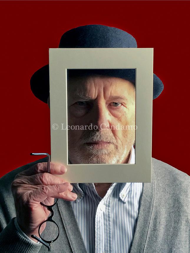 Leonardo Cendamo, Born in Sannicandro Garganico (Foggia) il 16/maggio 1939.Italian photographer. Self-portrait. Barni 5 novembre 2018. © Leonardo Cendamo