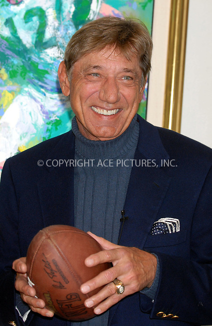 WWW.ACEPIXS.COM . . . . . ....January 18, 2007, Ne York City. ....Joe Namath and Leroy Neiman Unveil and Sign Limited Edition Serigraph 'Handoff - Super Bowl III' at the Artist's Manhattan Studio. ....Please byline: KRISTIN CALLAHAN - ACEPIXS.COM.. . . . . . ..Ace Pictures, Inc:  ..(212) 243-8787 or (646) 769 0430..e-mail: info@acepixs.com..web: http://www.acepixs.com