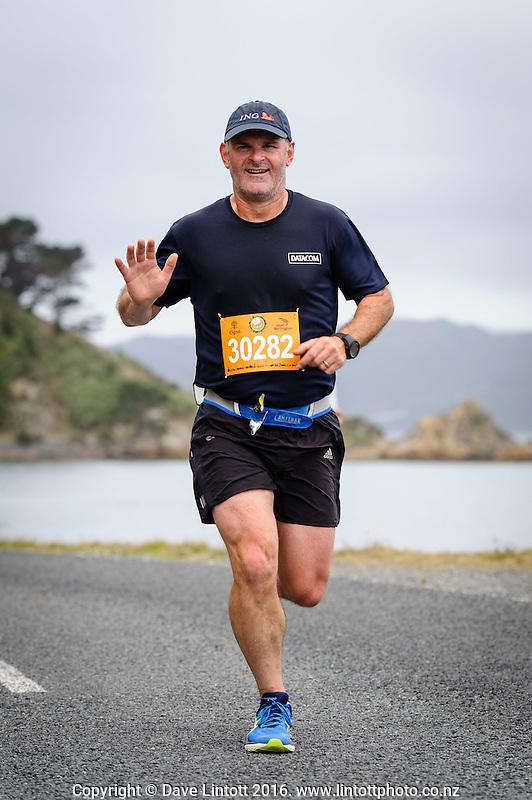 The 2016 Cigna Achilles Round The Bays half marathon, Bluebridge 10km and Fun Run & Walk. From Frank Kitts Park to Kilbirnie Park in Wellington, New Zealand on Sunday, 21 February 2016. Photo: Mark Tantrum / lintottphoto.co.nz. http://marktantrum.com