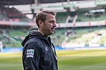 13.04.2019, Weserstadion, Bremen, GER, 1.FBL, Werder Bremen vs SC Freiburg<br /> <br /> DFL REGULATIONS PROHIBIT ANY USE OF PHOTOGRAPHS AS IMAGE SEQUENCES AND/OR QUASI-VIDEO.<br /> <br /> im Bild / picture shows<br /> Florian Kohfeldt (Trainer SV Werder Bremen) vor dem Spiel, <br /> <br /> Foto &copy; nordphoto / Ewert