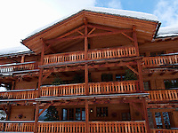 Switzerland. Canton Valais. Verbier is a village located in the municipality of Bagnes. The village lies on a south orientated terrace at around 1,500 metres. The terrace lies on the east side of the Val de Bagnes. Swiss wooden alpine chalet with balconies. Verbier had 3000 permanent residents in 2010. The number of residents can rise to 35,000 in the winter season. Verbier is one of the largest holiday resort and ski areas in the Swiss Alps, 4.01.2012 © 2012 Didier Ruef