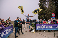 A fan on the side of the Paadestraat during the 16th Ronde Van Vlaanderen<br /> <br /> Elite Womans Race (1.WWT)<br /> <br /> One day race from Oudenaarde to Oudenaarde<br /> ©Jojo Harper for Kramon