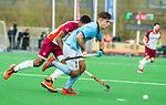 ALMERE - Hockey - Hoofdklasse competitie heren. ALMERE-HGC (0-1) . Tristan Algera (HGC)  met  Terrance Pieters (Almere)  COPYRIGHT KOEN SUYK