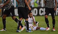 Santos SP, 19 maio 2013 - SANTOS X CORINTHIANS  Lance com Neymar   durante partida da final do campeonato paulista de 2013  no Estadio da Vila Belmiro em Santos, Litoral de  de Sao Paulo, neste domingo , 19. (FOTO: ALAN MORICI / BRAZIL PHOTO PRESS).