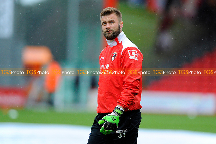 Artur Boruc of AFC Bournemouth - AFC Bournemouth vs Fulham - Sky Bet Championship Football at the Goldsands Stadium, Bournemouth, Dorset - 26/12/14 - MANDATORY CREDIT: Denis Murphy/TGSPHOTO - Self billing applies where appropriate - contact@tgsphoto.co.uk - NO UNPAID USE
