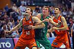 League ACB-ENDESA 2017/2018. Game: 30.<br /> Divina Seguros Joventut vs Valencia Baket Club: 77-75.<br /> Aaron Doomekamp vs Saulius Kulvietis.