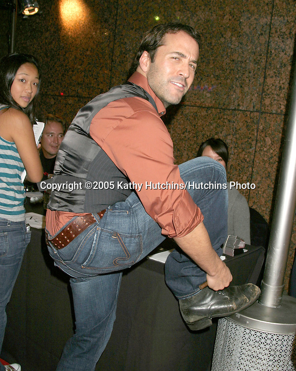 Jeremy Piven.DKNY Presents Vanity Fair in Concert.El Rey Theater.Los Angeles, CA.October 25, 2005.©2005 Kathy Hutchins / Hutchins Photo