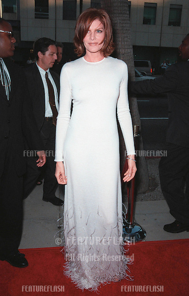 "27JUL99:  Actress RENE RUSSO at the world premiere, in Beverly Hills, of her movie ""The Thomas Crown Affair"" in which she stars with Pierce Brosnan..© Paul Smith / Featureflash"