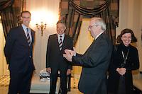 02-03-11Tennis, Oekraine, Charkov, Daviscup, Oekraine - Netherlands, Official Dinner, KNLTB directeur Evert Jan Hulshof(L) en KNLTB voorzitter Rolf Thung (M) ontmoeten de Nederlandse Ambasadeur