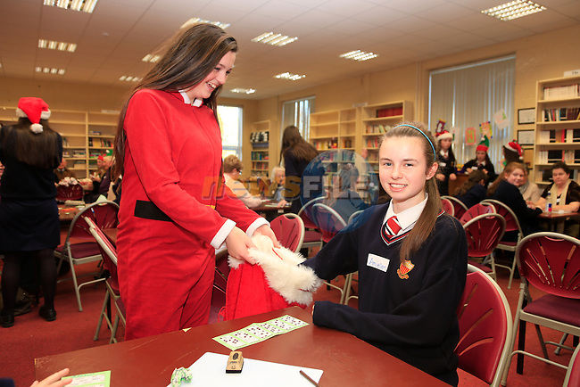 Rebecca Shields and Amy Ellen McGrath at the Bingo Banquet in Sacred Heart.<br /> Picture www.newsfile.ie