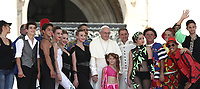 Papa Francesco saluta gli artisti el Rony Roller Circus durante l'udienza generale del mercoledi' in Piazza San Pietro, Citta' del Vaticano, 20 giugno, 2018.<br /> Pope Francis greets the Rony Roller Circus artists during his weekly general audience in St. Peter's Square at the Vatican, on June 20, 2018.<br /> UPDATE IMAGES PRESS/Isabella Bonotto<br /> <br /> STRICTLY ONLY FOR EDITORIAL USE