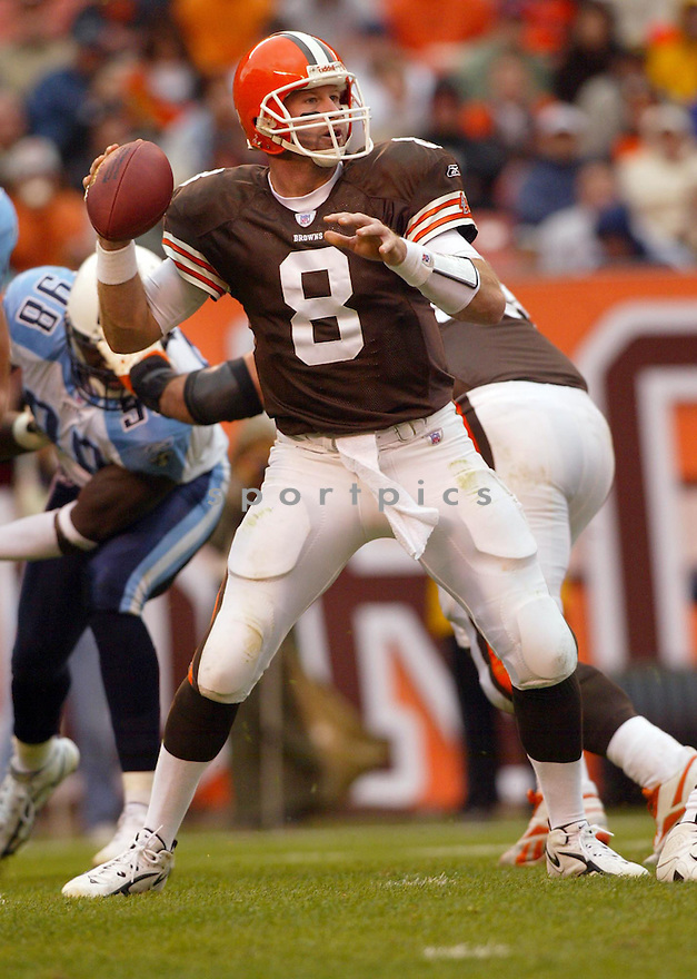 Trent Dilfer, of the the  Cleveland Brown, in action againts thier game againt the Tennessee Titans on November 6, 2005...Browns win 20-14..Kevin Tanaka / SportPics