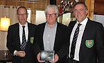 TEXEL - De Cocksdorp - Henri vd Steen (m) , Eric Korver  en Ger Laan.   Golfbaan De Texelse. COPYRIGHT KOEN SUYK