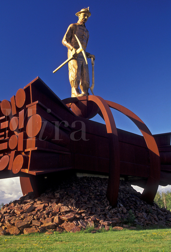 AJ2870, mining, iron, Minnesota, The Iron Man Memorial stands 36 feet high at the entrance to the Ironworld Discovery Center (Ironworld USA) in Chisholm in the state of Minnesota.