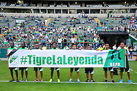 CALI -COLOMBIA-25-09-2016. Homenaje a Alberto 'Tigre' Benitez previo al encuentro entre Deportivo Cali y Deportivo Pasto por la fecha 14 de la Liga Águila II 2016 jugado en el estadio Palmaseca de Cali./ Tributre to Alberto 'Tigre' Benitez prior the match between Deportivo Cali and Deportivo Pasto for the date 14 of the Aguila League II 2016 played at Palmaseca stadium in Cali. Photo: VizzorImage/ NR / Cont