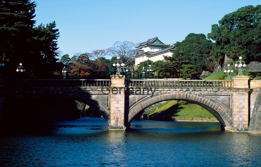 Japan, Tokyo: Nijubashi-bridge, imperial palace