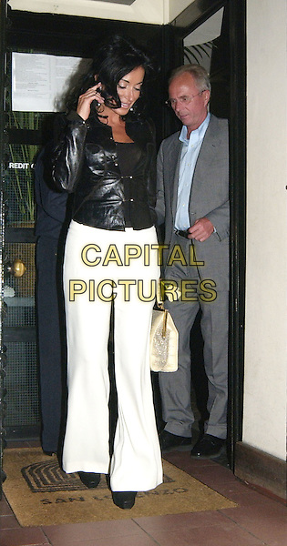 SVEN GORAN ERIKSSON & NANCY DELL'OLIO.leaving San Lorenzo restaurant.www.capitalpictures.com.sales@capitalpictures.com.©Capital Pictures.paparazzi, full length, full-length