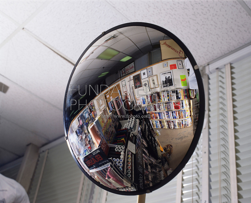 CONVEX MIRROR USED FOR STORE SECURITY<br />
