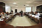 "MEDENINE - TUNISIA - 14 March 2012 -- European Training Foundation (ETF) / Tunisian Ministry of Vocational Training and Employment (MFPE) -  ""Human Capital for Regional Socio-Economic Development (Medenine, Tunisia)"" - Project Launch Workshop -- Lassaad MEZGHANI (centre) teaches during the workshop  -- PHOTO: Lindsay MACKENZIE / EUP-IMAGES.."
