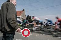 Signaleur.<br /> <br /> 81st Gent-Wevelgem in Flanders Fields (1.UWT)<br /> Deinze &gt; Wevelgem (251km)