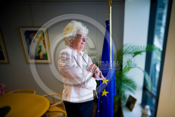 BRUSSELS - BELGIUM - 21 MAY 2009 -- Mariann FISCHER BOEL , European Commissioner in charge of Agriculture and Rural Development, looking out of the window at her office.  Photo: © Erik Luntang/EUP-IMAGES
