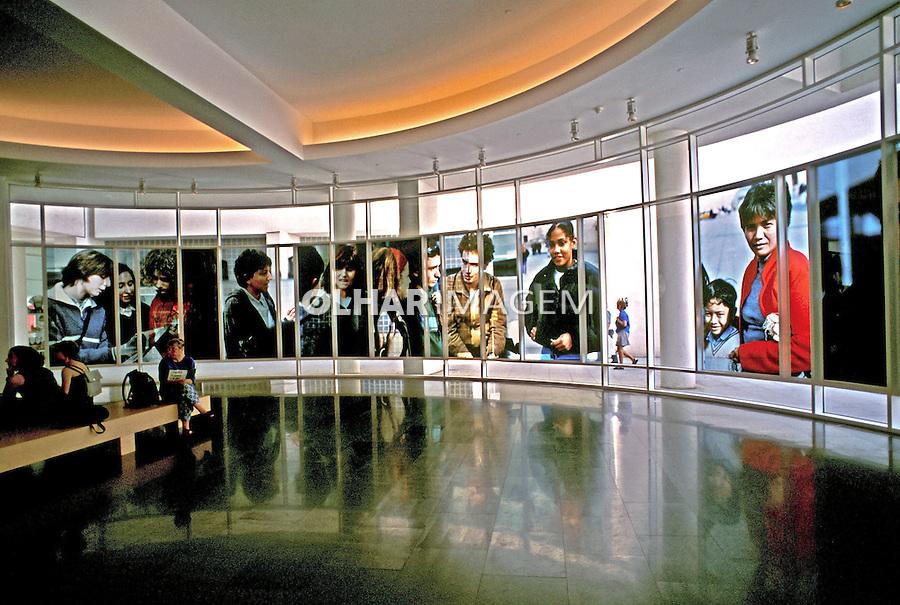 Museu de Arte Contemporânea, Barcelona, Espanha. 1998. Foto de Maristela Colucci.