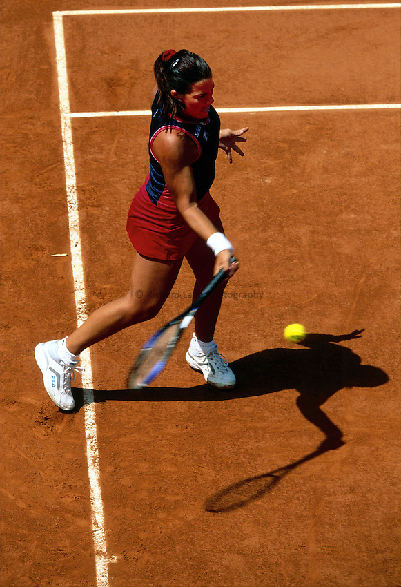 Photo. Richard Lane.Roland Garros French Open Tennis 2002..29/5/2002.Jennifer Capriati