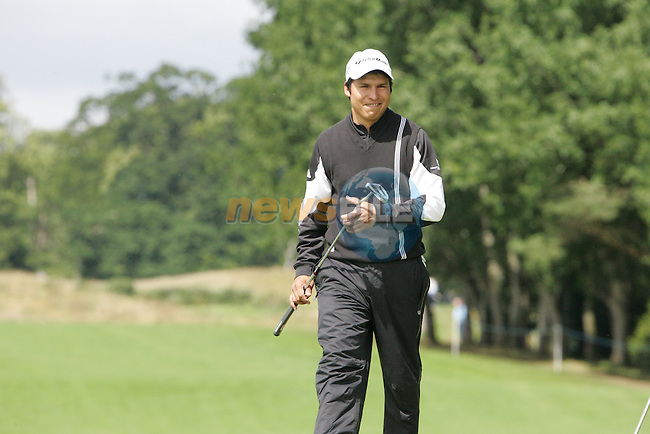 Andres Romero smiles as he sinks a birdie putt on his final hole the 9th during the 2nd round of the Smurfit Kappa European Open at The K Club, Strffan,Co.Kildare, Ireland 6th July 2007 (Photo by Eoin Clarke/NEWSFILE)