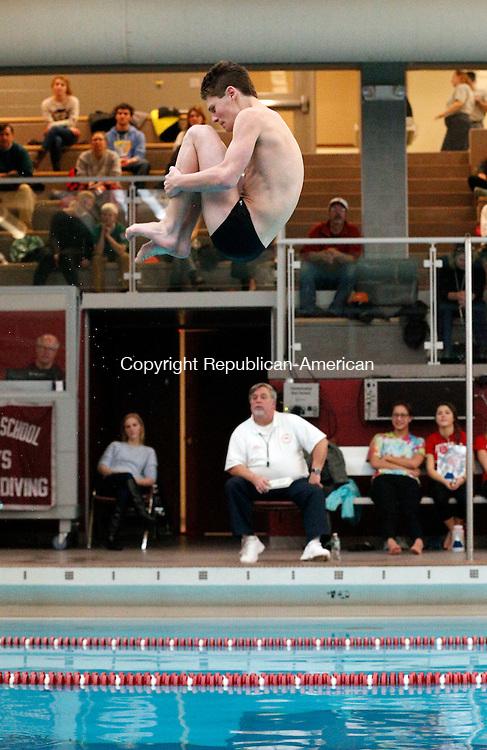 Naugatuck, CT- 22 January 2016-012216CM05-  Pomperaug's Matt Koerber completes a dive during a swim meet against Naugatuck on Friday.      Christopher Massa Republican-American