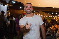 SAO PAULO, SP, 17.04.2015 - SÃO PAULO FASHION WEEK - Ex -BBB  Vagner lara (Vavá)  no último dia da São Paulo Fashion Week, Verão 2016 no Parque Candido Portinari na regiao oeste de São Paulo, nesta sexta-feira, 17.(Foto: Kevin David / Brazil Photo Press ).