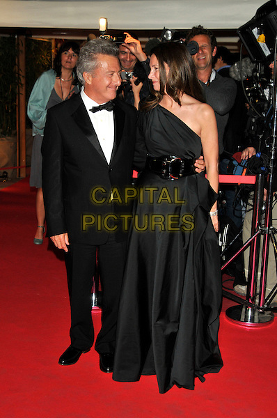 "DUSTIN HOFFMAN & LISA GOTTSEGEN.""Kung Fu Panda"" party arrivals at the Majestic Hotel beach during the 61st Cannes International Film Festival, Cannes, France..15th May 2008 .full length dinner suit tuxedo one shoulder dress married husband wife belt profile .CAP/PL.© Phil Loftus/Capital Pictures"