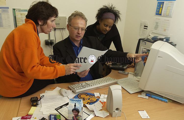 Roisin Neylon, Media Trainer, Jim O Connor, and Naomi Powell, PA to RDO browsing the website. Photograph by John Kelly.