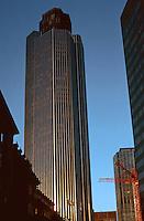 London: National Westminster Bank Tower.  Richard Seifert, 1981. 600 ft. high. Photo '90.