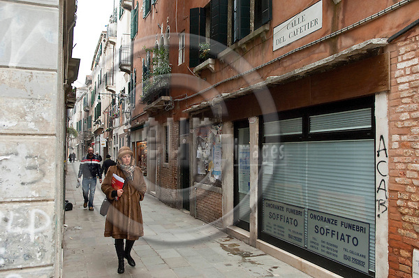 Castello-Venice-Italy - December 21, 2010 -- Street scene, Calle del Cafetier -- infrastructure -- Photo: Horst Wagner / eup-images