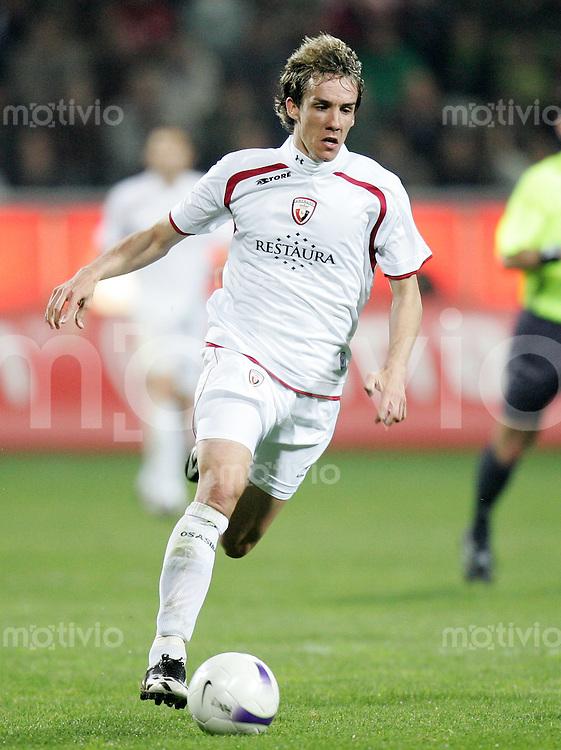 Fussball   International Uefa-Cup   Saison 2006/2007 David LOPEZ (AC Osasuna), Einzelaktion am Ball